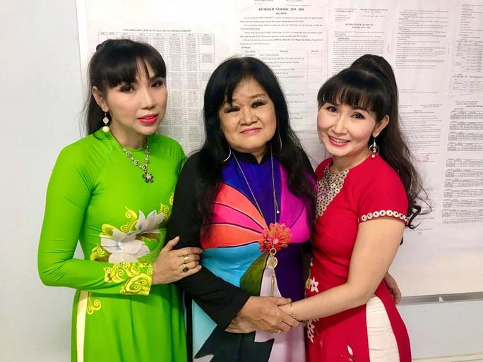 Nghệ sĩ Thanh Hằng xúc động vì học sinh yêu dân ca - Ảnh 6.
