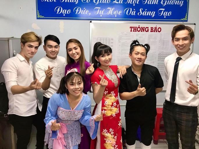 Nghệ sĩ Thanh Hằng xúc động vì học sinh yêu dân ca - Ảnh 5.