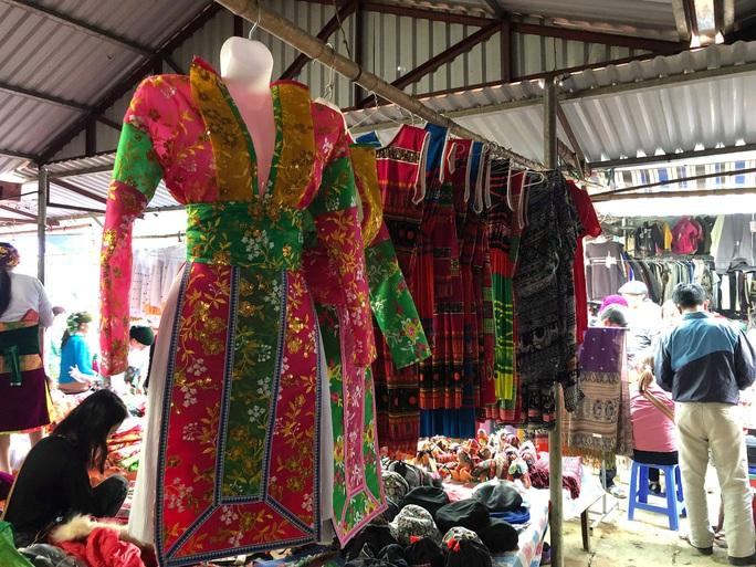 Đến Hà Giang khám phá vẻ đẹp đầy sắc màu của chợ phiên Đồng Văn - Ảnh 16.
