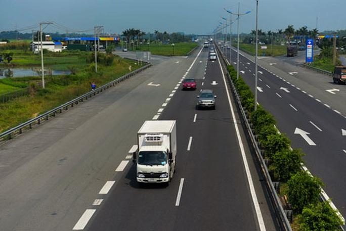 Hai phương án sửa Luật Giao thông đường bộ - Ảnh 1.
