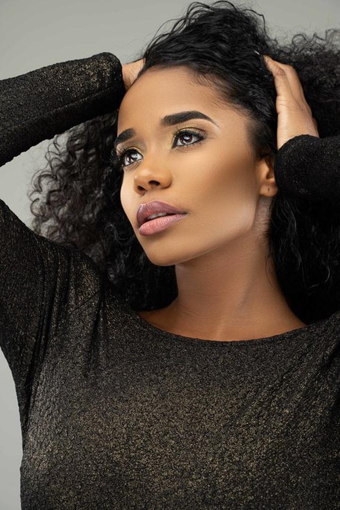 Nhan sắc Hoa hậu Thế giới 2019 người Jamaica gây tranh cãi - Ảnh 3.