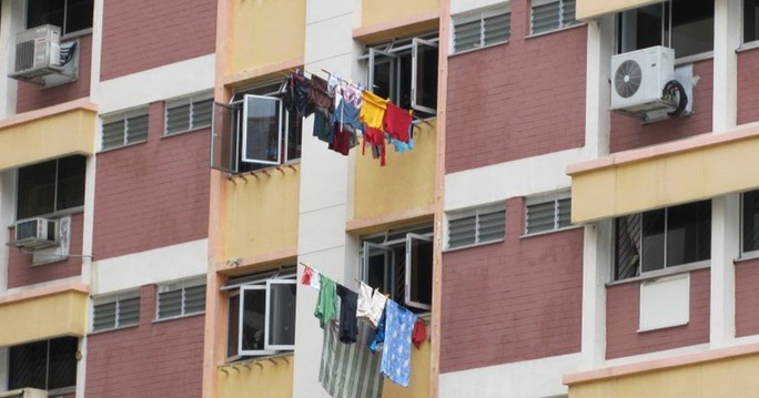 Bị chồng Singapore cố ném qua cửa sổ, người vợ Việt gặp cứu tinh không ngờ  - Ảnh 1.