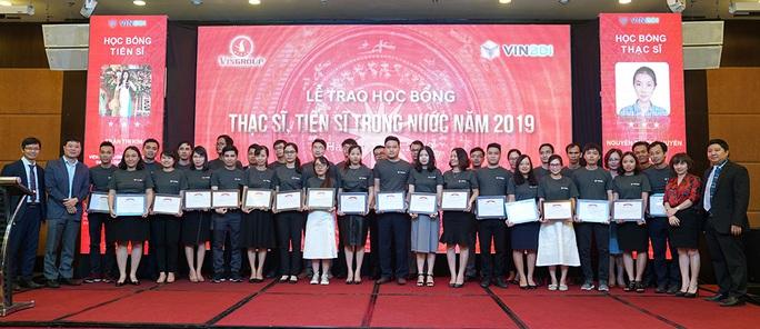 Trao học bổng tới 1 triệu USD, GS Vũ Hà Văn truyền cảm hứng cho các tiến sĩ, thạc sĩ tương lai - Ảnh 2.