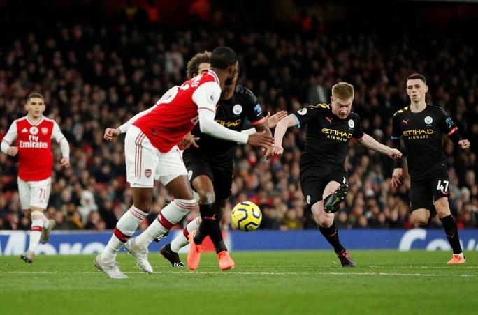 Man City chỉ đích danh kẻ chủ mưu Arsenal vụ tập kích hội đồng - Ảnh 2.