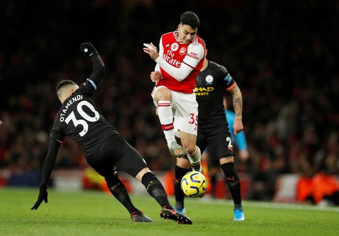 Sao Bỉ chói sáng, Man City đè bẹp Arsenal tại Emirates - Ảnh 1.