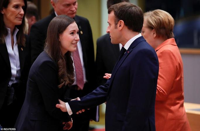 Ông Macron tươi cười cùng nữ thủ tướng trẻ nhất thế giới - Ảnh 5.