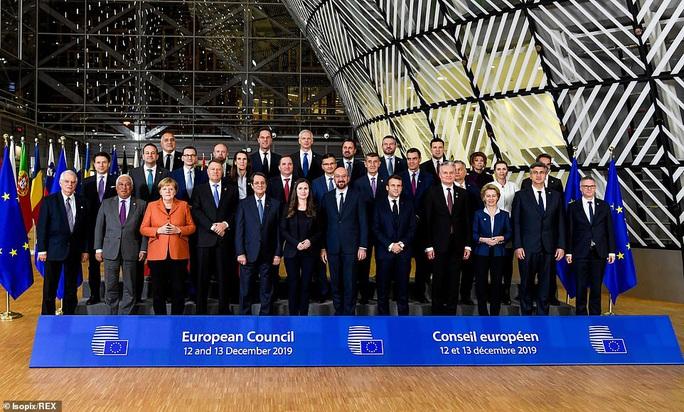 Ông Macron tươi cười cùng nữ thủ tướng trẻ nhất thế giới - Ảnh 8.