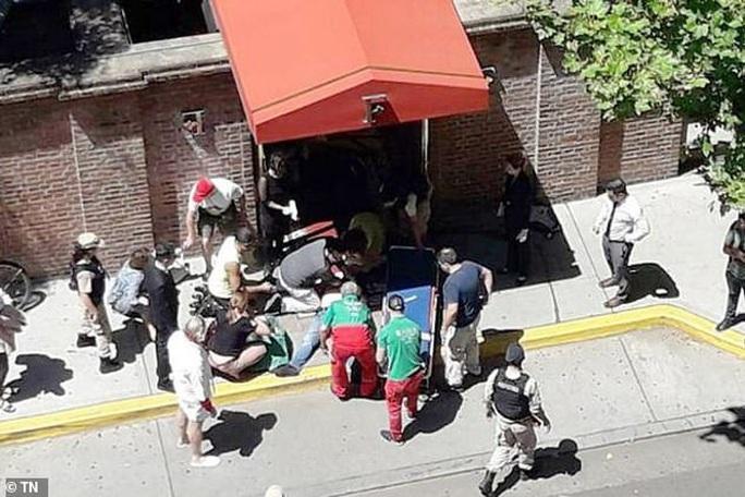 Triệu phú Anh bị cướp bắn chết trước khách sạn 5 sao ở Argentina - Ảnh 3.