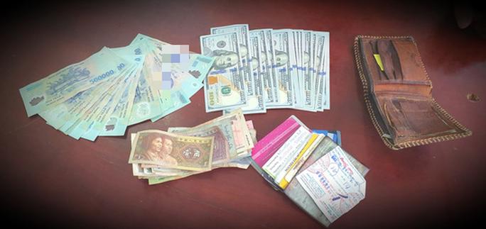 Trung sĩ công an giao lại ví chứa hàng chục triệu đồng cho người đánh rơi - Ảnh 2.