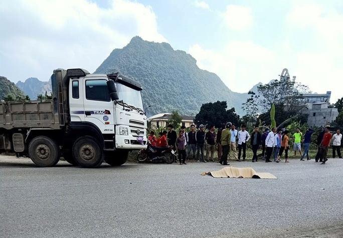 Trên đường đi học về, nữ sinh lớp 10 tử vong sau cú va chạm với xe tải - Ảnh 2.