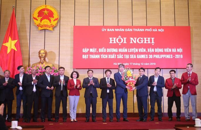 Hà Nội thưởng hơn 6,2 tỉ đồng cho HLV, VĐV SEA Games - Ảnh 1.