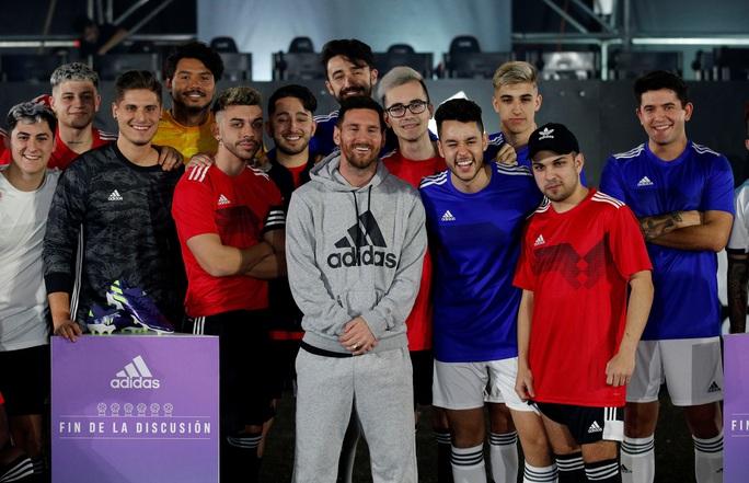 Lionel Messi được vinh danh trước trận Siêu kinh điển - Ảnh 1.