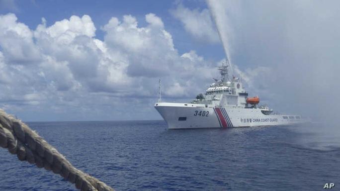 Nhật Bản: Trung Quốc vi phạm luật pháp quốc tế ở biển Đông - Ảnh 1.