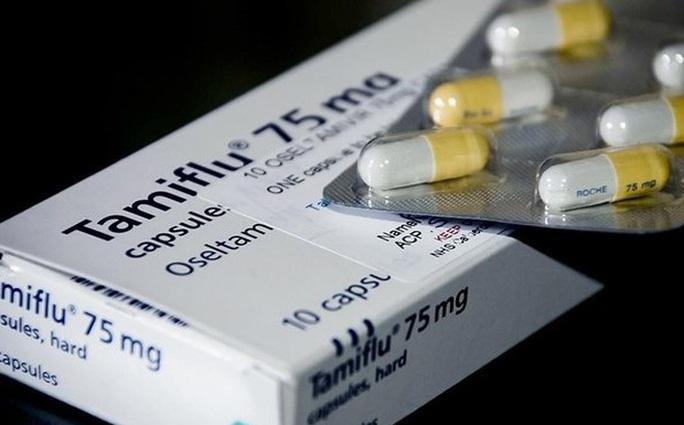 Vì sao khan hiếm thuốc Tamiflu điều trị cúm lúc lượng người mắc cúm A tăng cao? - Ảnh 1.