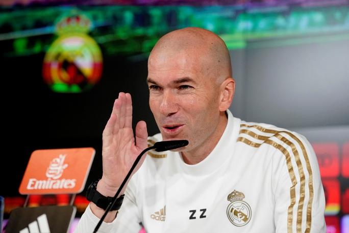 HLV Zidane lập kỷ lục bất bại khi viếng thăm Nou Camp - Ảnh 1.
