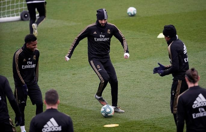 HLV Zidane: Real Madrid sẽ khóa chặt Messi - Ảnh 2.