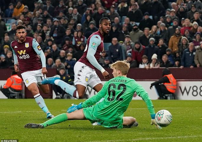 Chia quân đá cúp, Liverpool thua trận kinh hoàng ở Villa Park - Ảnh 5.