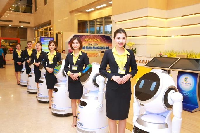 Có hay không việc cắt giảm nhân sự khi đưa robot vào phục vụ khách hàng? - Ảnh 3.