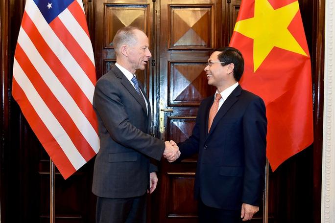 Trợ lý Ngoại trưởng Mỹ David Stilwell thăm Việt Nam - Ảnh 4.