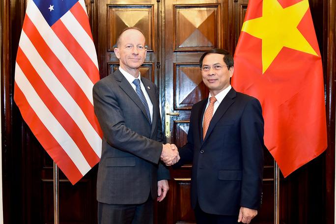 Trợ lý Ngoại trưởng Mỹ David Stilwell thăm Việt Nam - Ảnh 5.