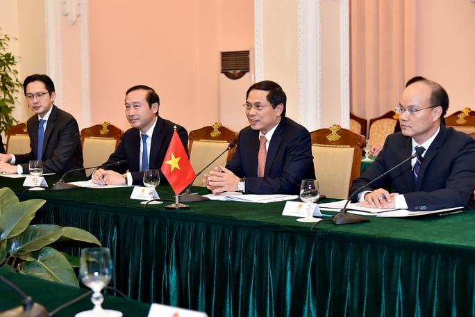 Trợ lý Ngoại trưởng Mỹ David Stilwell thăm Việt Nam - Ảnh 7.
