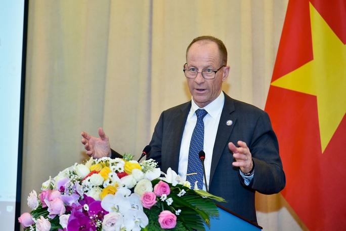 Trợ lý Ngoại trưởng Mỹ David Stilwell thăm Việt Nam - Ảnh 10.