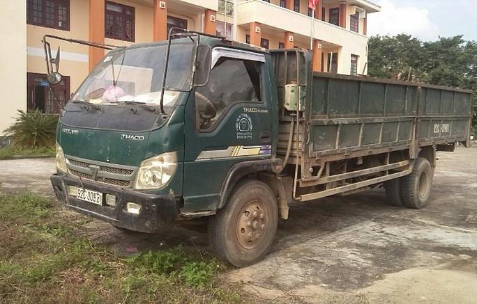 Quảng Nam: Tìm ra xe tải tông chết người rồi bỏ chạy - Ảnh 1.