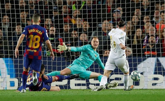 HLV Zidane lập kỷ lục bất bại khi viếng thăm Nou Camp - Ảnh 5.
