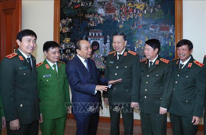 Thủ tướng Nguyễn Xuân Phúc chỉ đạo tại Hội nghị Đảng ủy Công an Trung ương - Ảnh 1.
