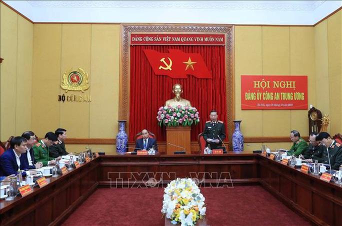 Thủ tướng Nguyễn Xuân Phúc chỉ đạo tại Hội nghị Đảng ủy Công an Trung ương - Ảnh 2.