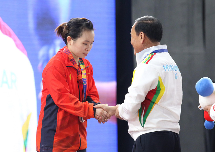 SEA Games 30: Lực sĩ Thạch Kim Tuấn vuột mất HCV đáng tiếc - Ảnh 12.