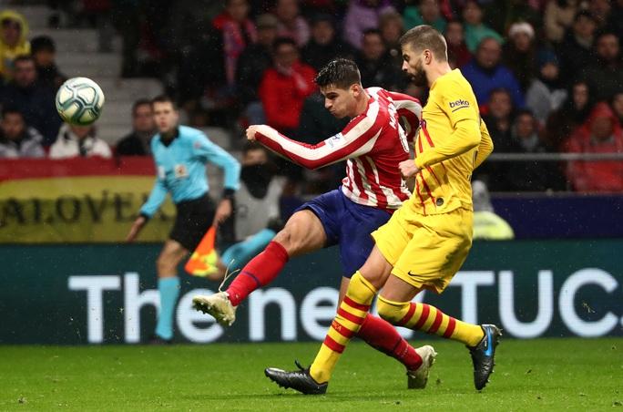 Barcelona soán ngôi Real Madrid bằng siêu phẩm Lionel Messi - Ảnh 2.