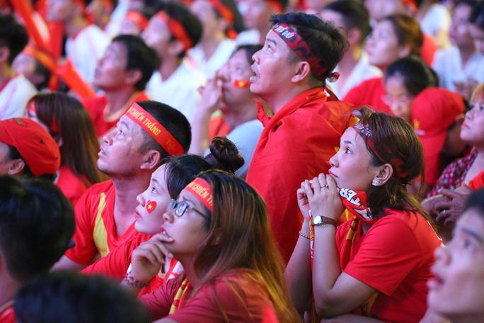 Niềm vui bùng nổ từ Việt Nam đến Philippines sau siêu phẩm của Hoàng Đức - Ảnh 1.