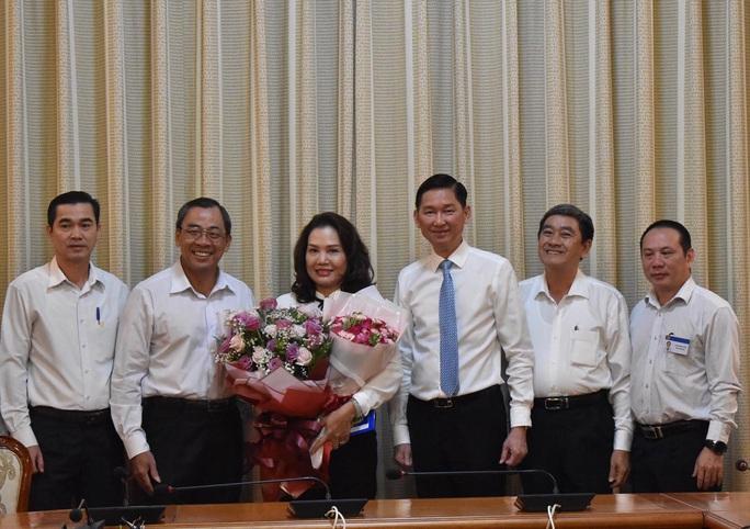 UBND TP HCM trao quyết định bổ nhiệm 2 nhân sự lãnh đạo - Ảnh 1.