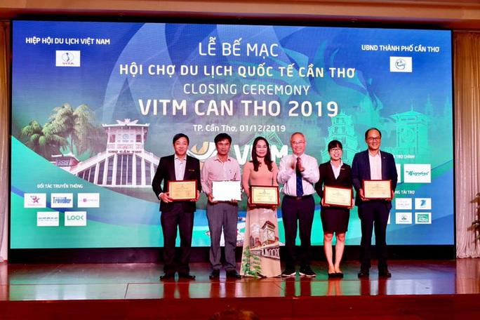 Saigontourist đạt nhiều giải thưởng tại Lễ vinh danh các cá nhân, doanh nghiệp tiêu biểu năm 2019 của du lịch Việt Nam - Ảnh 1.