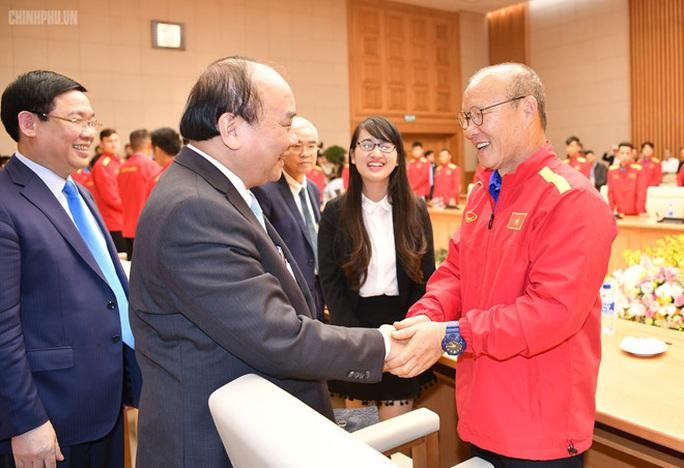 Thủ tướng gửi thư động viên HLV Park Hang-seo và Đoàn Thể thao Việt Nam - Ảnh 1.