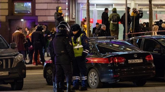 Nga: Nổ súng gần cơ quan an ninh, nhiều người thương vong - Ảnh 1.