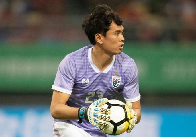 Đội hình tiêu biểu Đông Nam Á: Sao Đặng Văn Lâm lại thua cả thủ môn dự bị Thái Lan? - Ảnh 2.