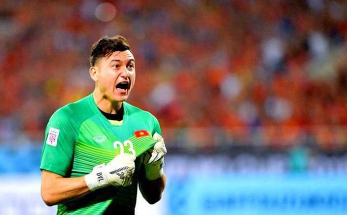Đội hình tiêu biểu Đông Nam Á: Sao Đặng Văn Lâm lại thua cả thủ môn dự bị Thái Lan? - Ảnh 3.