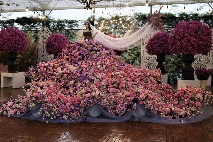 Mãn nhãn bữa tiệc hoa và ánh sáng ở lễ khai mạc Festival Hoa Đà Lạt - Ảnh 5.