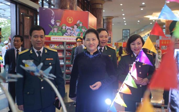 Cận cảnh lãnh đạo cấp cao dự lễ kỷ niệm Ngày thành lập Quân đội nhân dân Việt Nam - Ảnh 5.