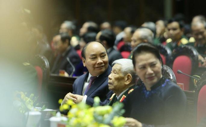 Cận cảnh lãnh đạo cấp cao dự lễ kỷ niệm Ngày thành lập Quân đội nhân dân Việt Nam - Ảnh 7.