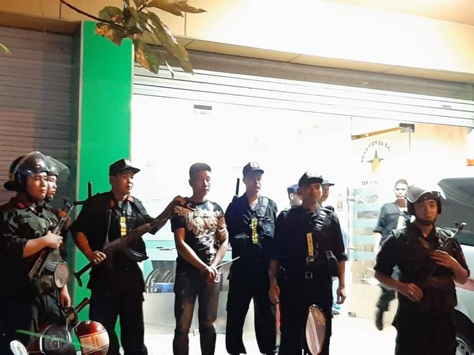 Cảnh sát Đồng Nai phong tỏa một bệnh viện ở Biên Hòa - Ảnh 5.