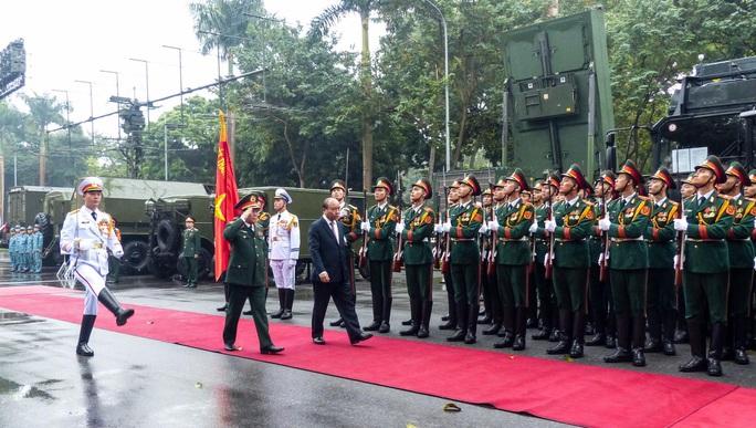 Cận cảnh lãnh đạo cấp cao dự lễ kỷ niệm Ngày thành lập Quân đội nhân dân Việt Nam - Ảnh 1.