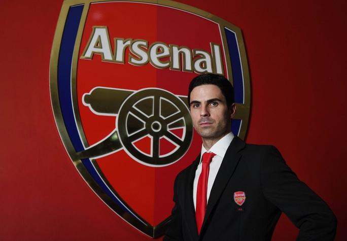 Mikel Arteta ngồi ghế nóng Arsenal, tự tin đưa Pháo thủ trở lại - Ảnh 1.