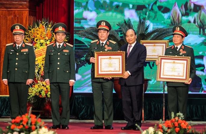 Quân đội Nhân dân Việt Nam nhận Huân chương Quân công hạng nhất - Ảnh 1.