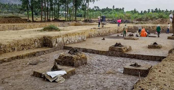 Các nhà khoa học phân tích về bãi cọc Bạch Đằng ngàn năm tuổi - Ảnh 4.