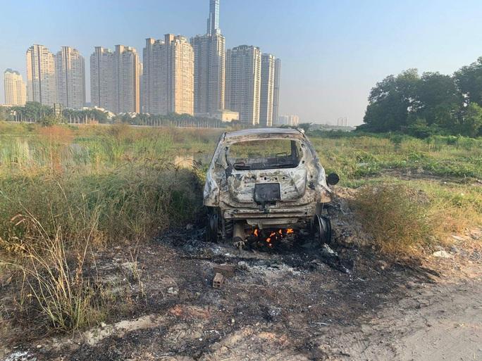 Cướp ôtô táo tợn ở TP HCM khiến 1 phụ nữ nước ngoài tử vong, 2 người nguy kịch - Ảnh 1.