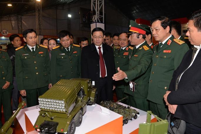 Phó Thủ tướng khai trương triển lãm quân sự - quốc phòng - Ảnh 1.