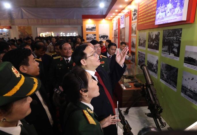 Phó Thủ tướng khai trương triển lãm quân sự - quốc phòng - Ảnh 4.